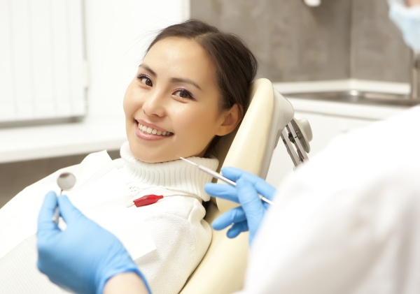 Visit Our Dentist Office In Los Angeles For A Smile Makeover