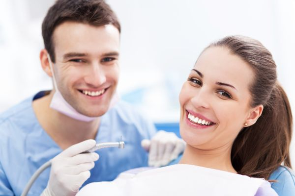 What Should I Expect During A Teeth Whitening Procedure?